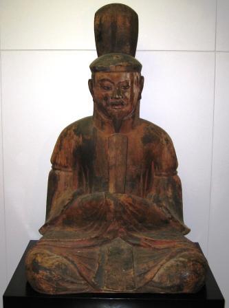 大将軍神 武装男神像 束帯神像 天球儀 童子像 神像群は、桧、欅を材料にしている。 これらは、大